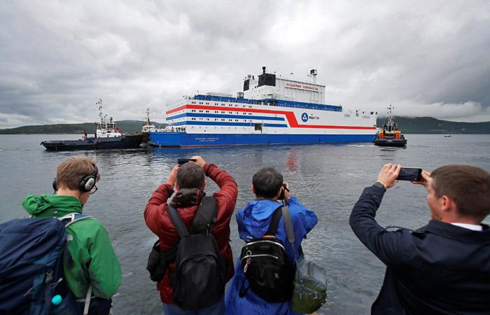 Российская плавучая АЭС отправилась в путешествие длиной почти 5 тыс. км
