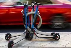 В России собрались регламентировать езду на электросамокатах и гироскутерах