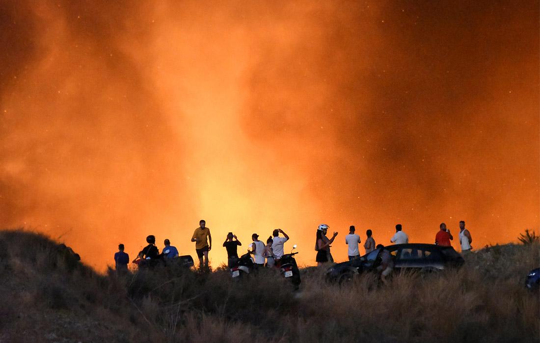 Лесной пожар подошел к курортному городу Марбелья