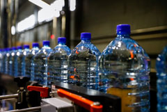 Минпромторг предложил начать маркировку воды с октября