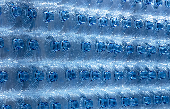 До 80% минеральной воды в магазинах оказалось контрафактом