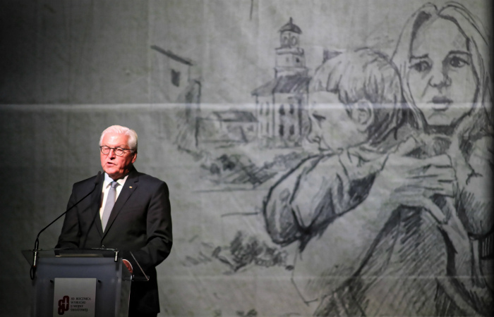 Президент ФРГ попросил прощения у поляков за преступления немецких нацистов