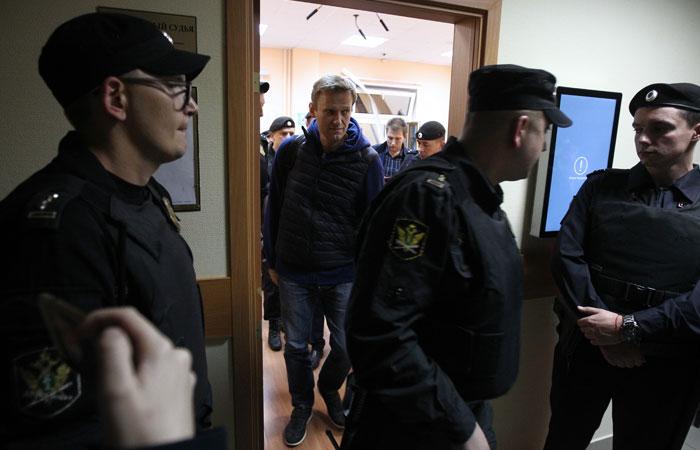 Навальный сообщил об обысках в ФБК