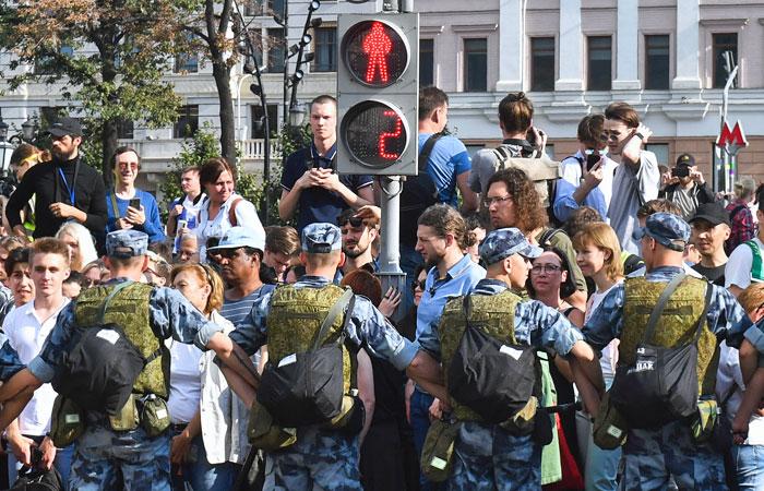 """Путин отметил пользу от """"встряхивающих власть"""" протестов"""