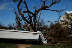 "Число жертв урагана ""Дориан"" на Багамах увеличилось до 30"