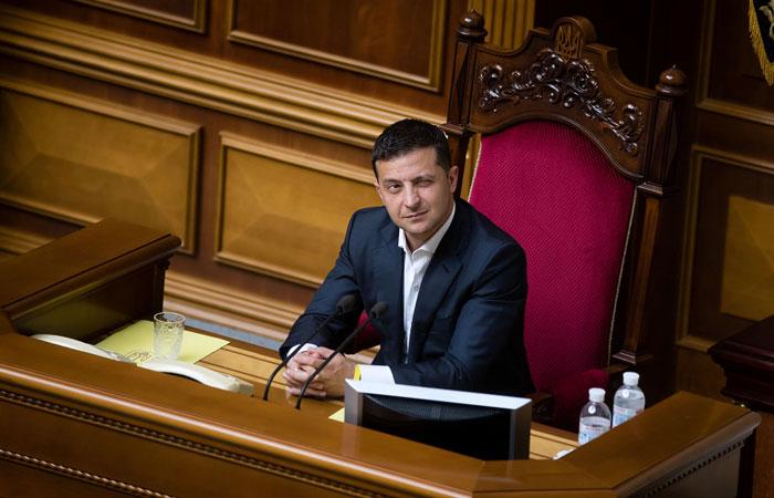 Зеленский подписал указы о помиловании 12 россиян