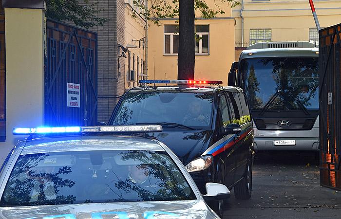 """Три автобуса покинули территорию СИЗО """"Лефортово"""", где содержатся украинцы"""