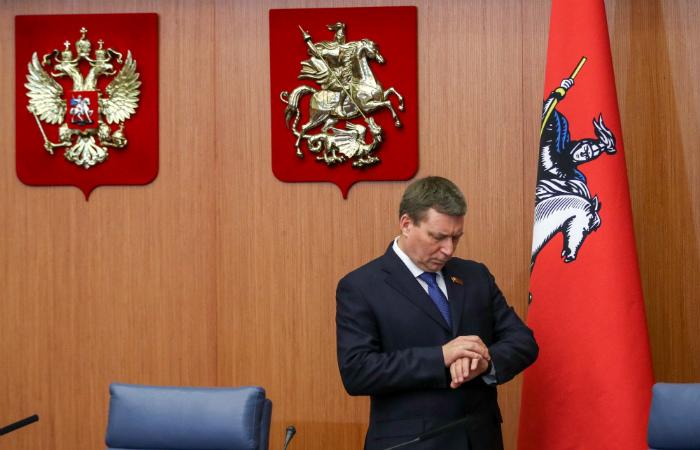Лидер московских единоросов уступает в своём округе на выборах в Мосгордуму