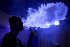 Минздрав поручил изучить связь курения электронных сигарет с тяжелыми болезнями