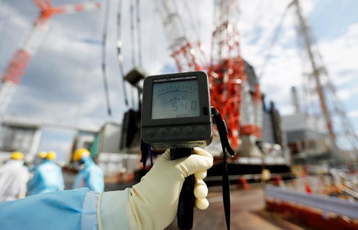 """В Японии задумались о возможности слива радиоактивной воды с """"Фукусимы-1"""" в океан"""