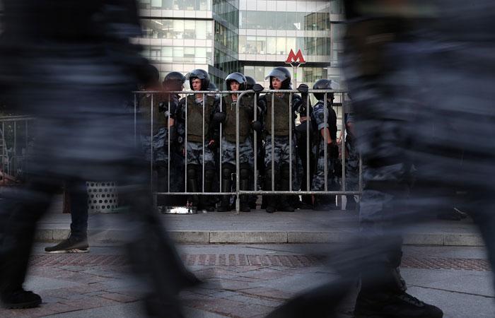"""Суд обязал организаторов акции 27 июля выплатить """"Мосгортрансу"""" 1,2 млн руб."""