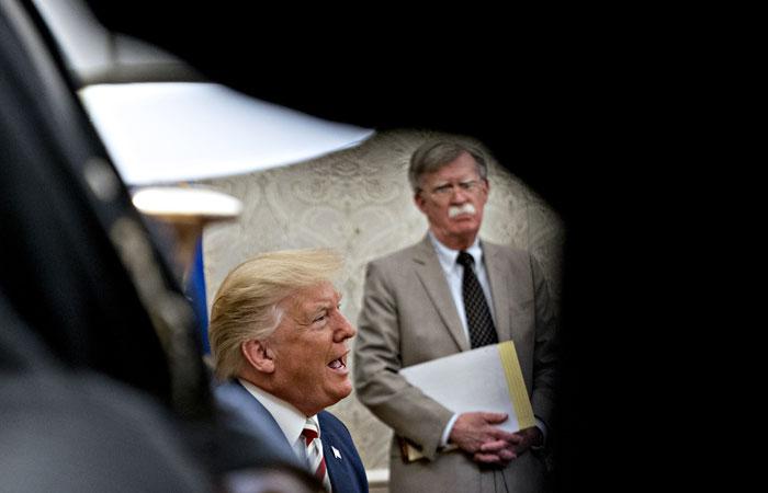 Трамп уволил Болтона с поста советника по нацбезопасности