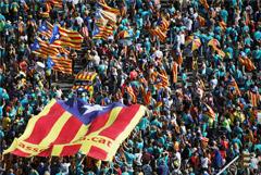 Около 600 тысяч человек вышли на митинг в Барселоне в национальный день Каталонии