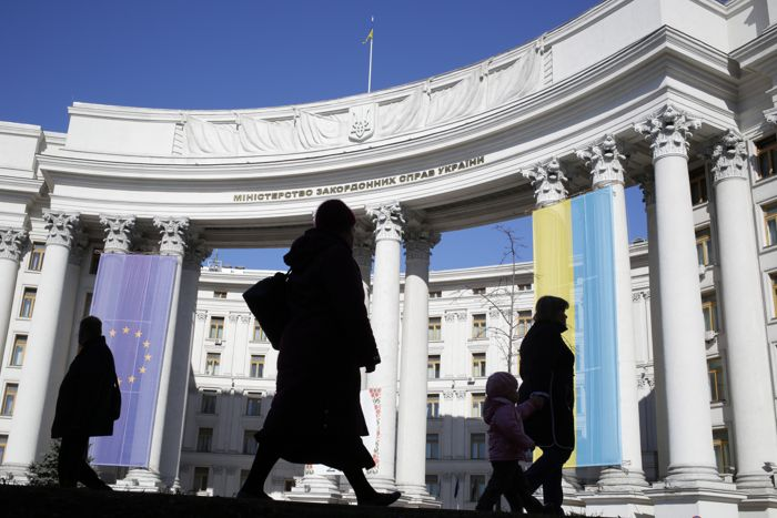 Украина приостановила процесс расторжения двусторонних соглашений с РФ