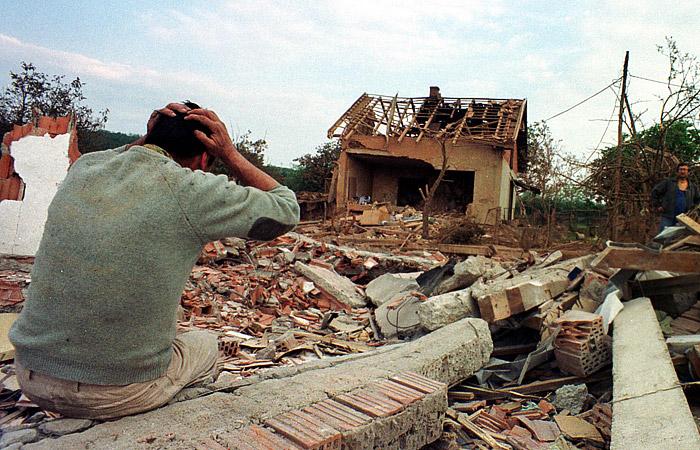 Посол США в Белграде посоветовал сербам шире смотреть на бомбардировки 1999 года