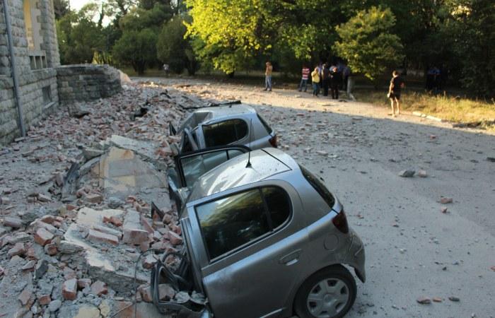 Почти 40 человек пострадали из-за землетрясения в Албании
