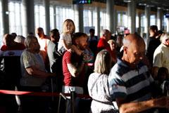 Сотни тысяч туристов по всему миру столкнулись с последствиями краха Thomas Cook