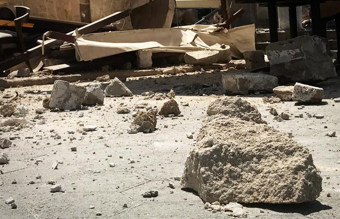 В Стамбуле из-за землетрясения рухнул минарет мечети, пострадали несколько человек
