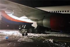 Инцидент с жесткой посадкой самолета в Барнауле перепутали с учениями