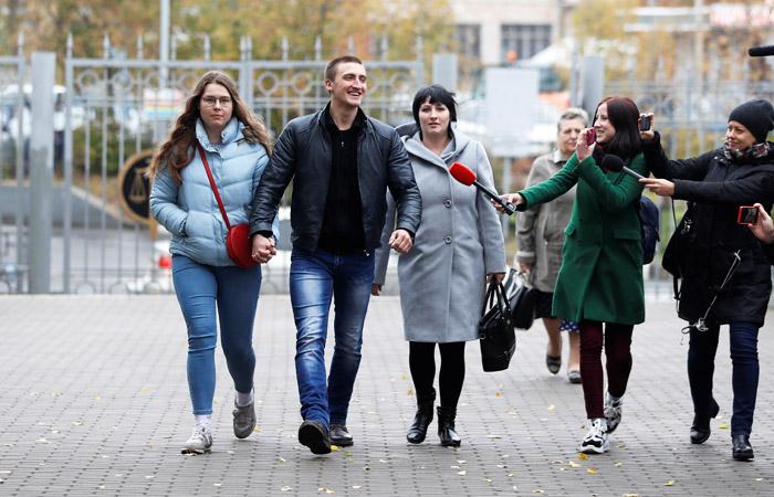 Актер Павел Устинов перед началом рассмотрения апелляции в Мосгорсуде