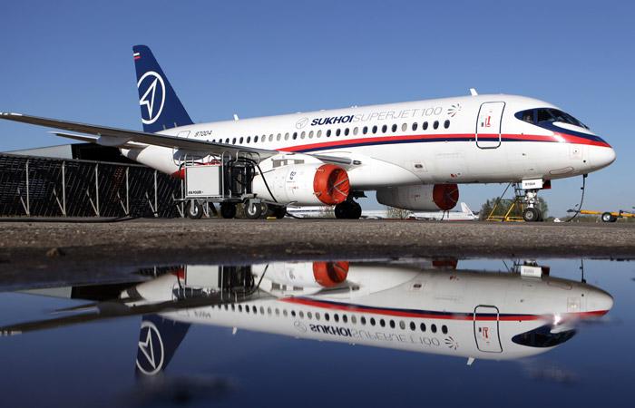 Superjet выкатился за пределы полосы при посадке на Чукотке