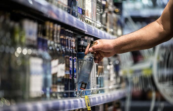 Минфин предложил повысить до 230 рублей минимальную цену на водку