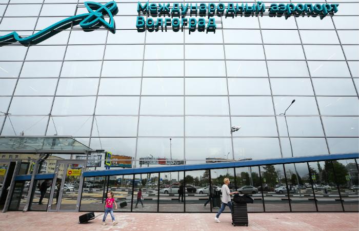 Самолет экстренно сел в Волгограде из-за смерти ребенка на борту
