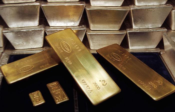 В ЦБ предупредили о рисках полного исключения доллара из золотовалютных резервов