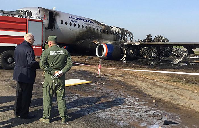 """В СК назвали основную причину смерти пассажиров разбившегося в """"Шереметьево"""" SSJ-100"""