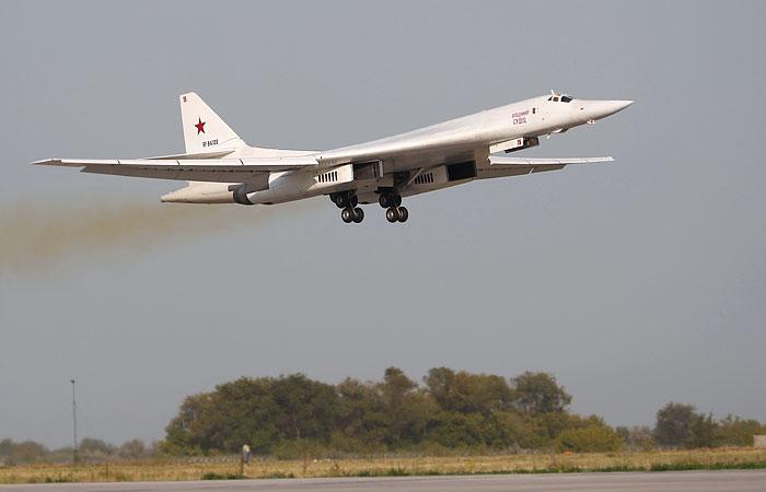 В ВКС РФ объяснили полет в ЮАР бомбардировщиков Ту-160