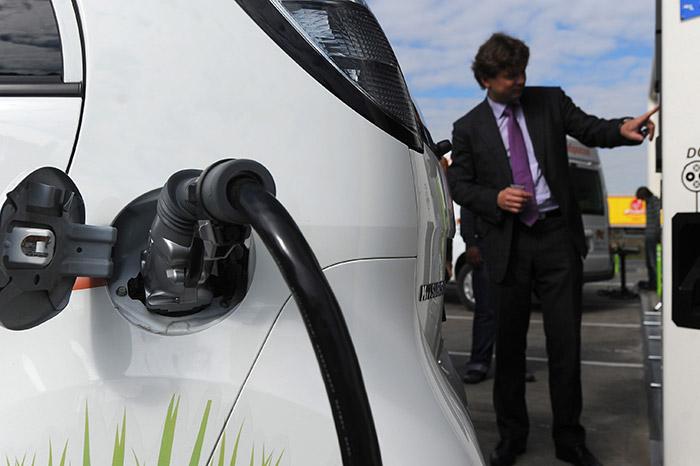 МГТС запустит сеть электрозаправок для транспорта