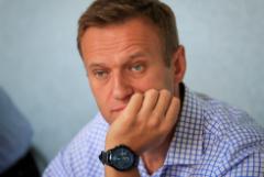 Свыше половины россиян оказались безразличны к Навальному