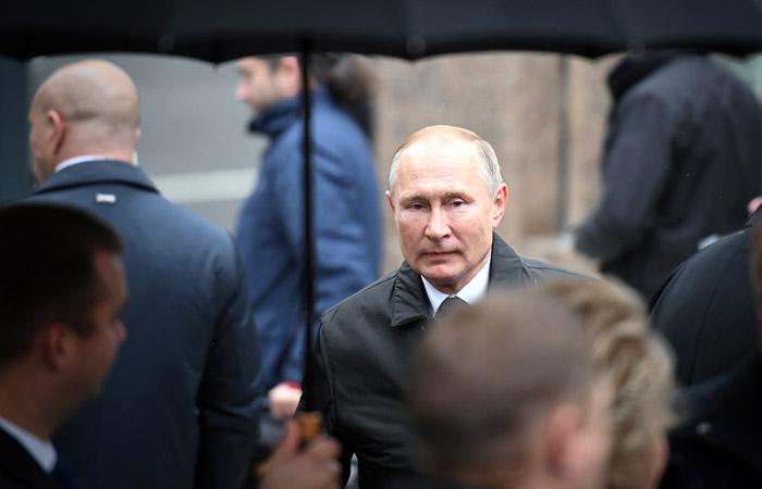 Путин рассказал о ведущейся против русского языка войне