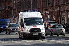 """Число отравившихся сотрудников """"Ленты"""" в Петербурге превысило 100 человек"""