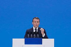 """Макрон заявил, что НАТО """"впала в кому"""""""