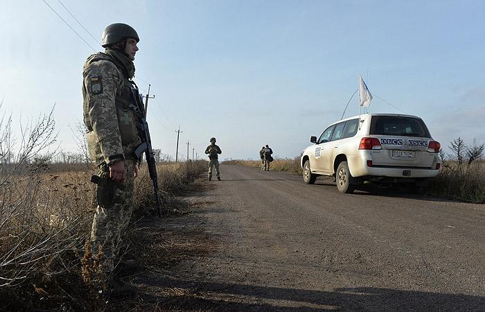 В Петровском началось разведение сил сторон конфликта в Донбассе