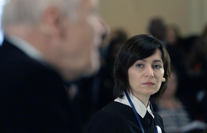 Парламент Молдавии отправил в отставку правительство во главе с премьером Санду