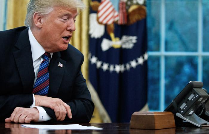 Белый дом обнародовал стенограмму первого разговора Трампа с Зеленским
