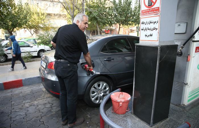 Несколько городов Ирана охватили протесты против повышения цен на бензин