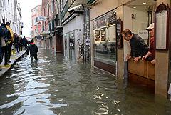 В Венеции подготовились к новому наводнению