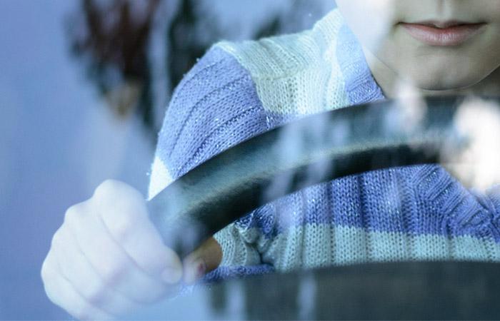 В Татарстане возбудили дело против матери, посадившей ребенка за руль на скорости 130 км/ч