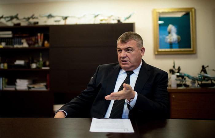 Анатолий Сердюков: не надо рисовать апокалипсис, авиастроение будет жить