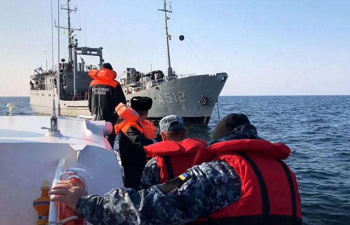Источник заявил, что Украине передали отмытые и отремонтированные военные корабли