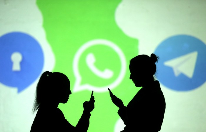 Павел Дуров призвал удалять WhatsApp со смартфонов