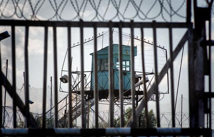 Директор ФСИН пообещал изжить пытки заключенных сотрудниками колоний