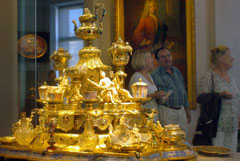 """В Дрездене ограбили музей """"Зеленый свод"""" со знаменитой коллекцией драгоценностей"""