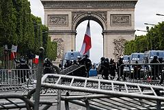 В Париже в День взятия Бастилии задержали 152 человека
