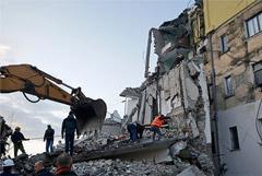 Четверо погибли, около 150 человек пострадали в результате землетрясения в Албании