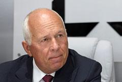 Чемезов просил Путина согласовать сертификацию авиатехники за рубежом по договорам МАК