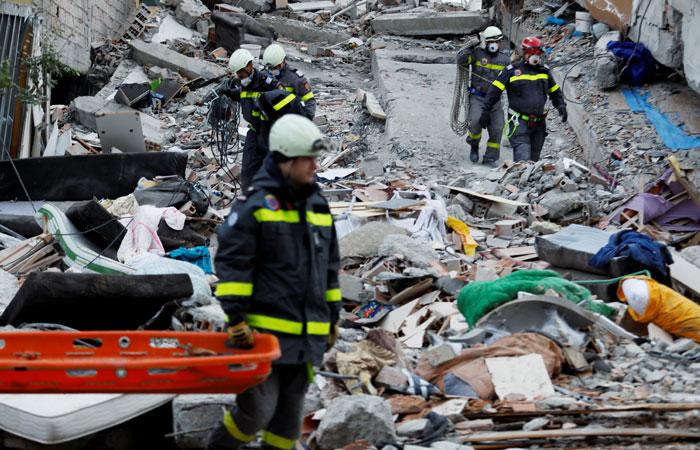 Число жертв землетрясения в Албании достигло 40